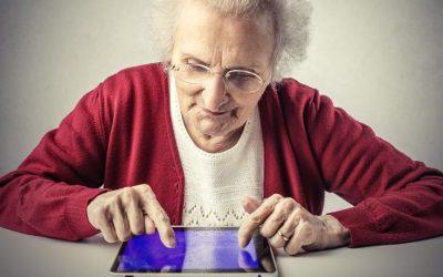 ¡POBRE ABUELA! Condenan y le prohíben a una mujer publicar fotos de sus nietos en Facebook