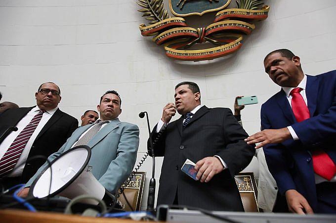 EE.UU. sancionó a Luis Parra, Conrado Pérez y Adolfo Superlano «deben rendir cuentas»