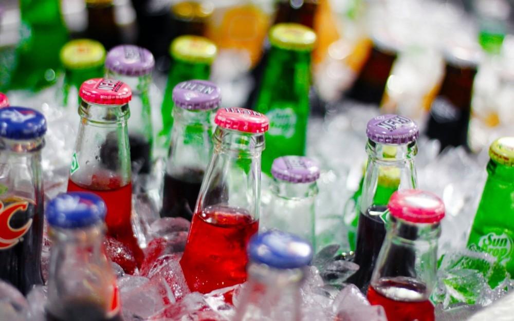 ¡NO LO HAGAS! Estos son los riesgos de consumir bebidas sin azúcar pero con edulcorantes
