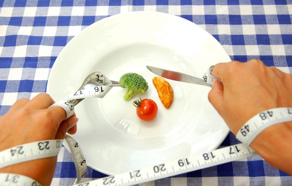 ¡CON CALMA! Exagerar con las dietas también te puede llevar a los excesos