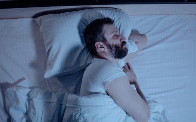 ¡PONLO EN PRÁCTICA! Esta es la posición adecuada para dormir