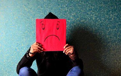 ¿A qué edad las personas son más infelices? Un estudio responde