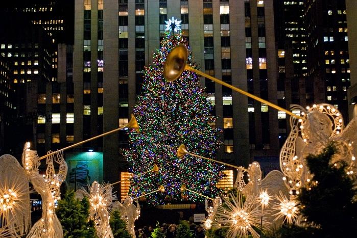 ¡UNA INSTITUCIÓN! Todo lo que no sabías sobre el árbol de Navidad de Rockerfeller Center en Nueva York