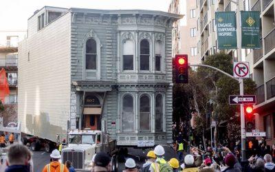 ¡INCREÍBLE! Trasladaron una casa entera de 139 años en San Francisco, EE.UU. (FOTOS)