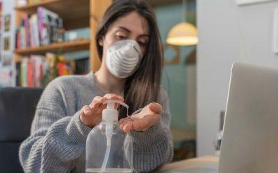 ¿Qué hacer si se tiene a una persona con coronavirus en casa?