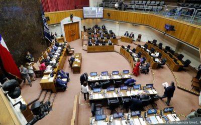 Parlamento chileno debate proyecto para que sector minero pague impuesto extra