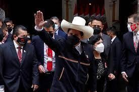 Pedro Castillo ya asumió como presidente de Perú y aseguró que no tiene planes de expropiar